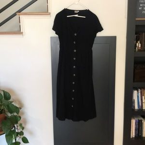 Dresses & Skirts - Black button front dress